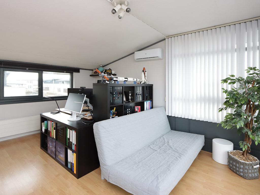 Buisstraat 16, Almere