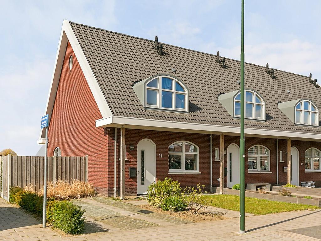 Burgemeester Van Boeijenstraat 11, Tholen