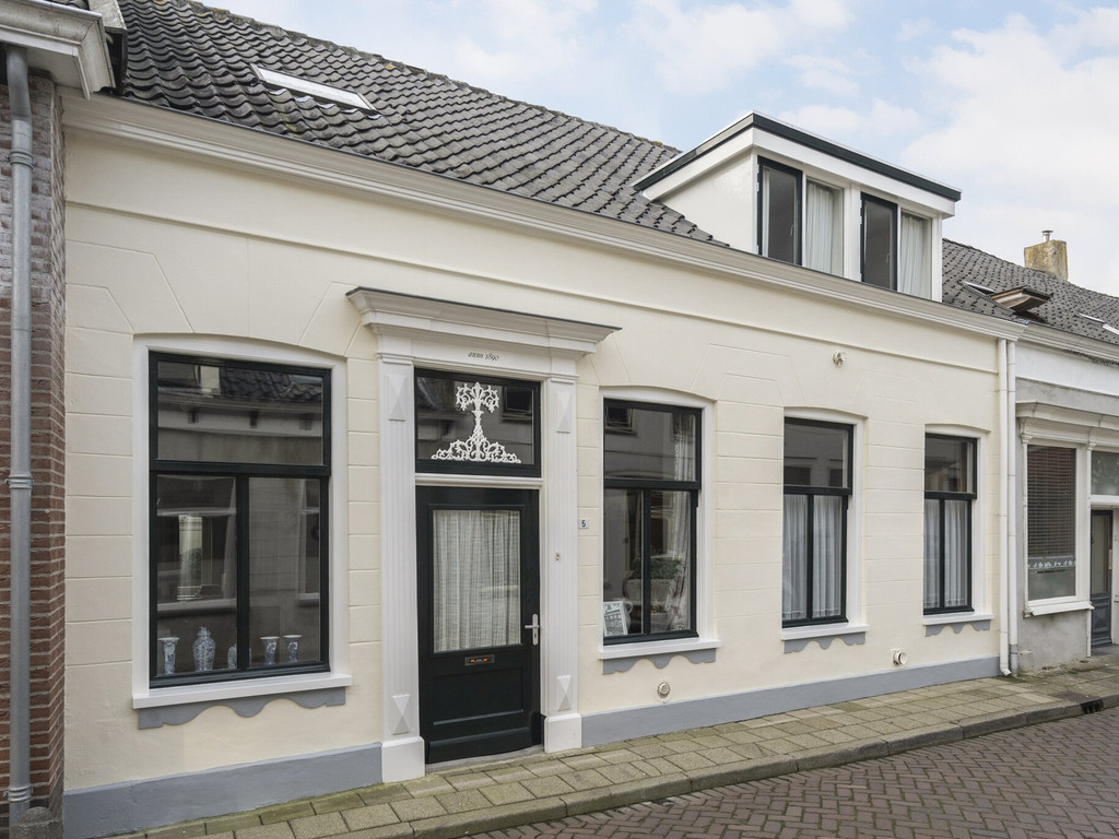 Voorstraat 5, Oud-Vossemeer