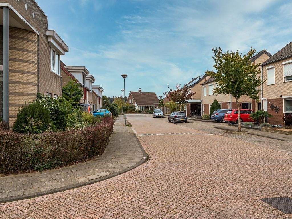 Rembrandtstraat 35, Baarlo