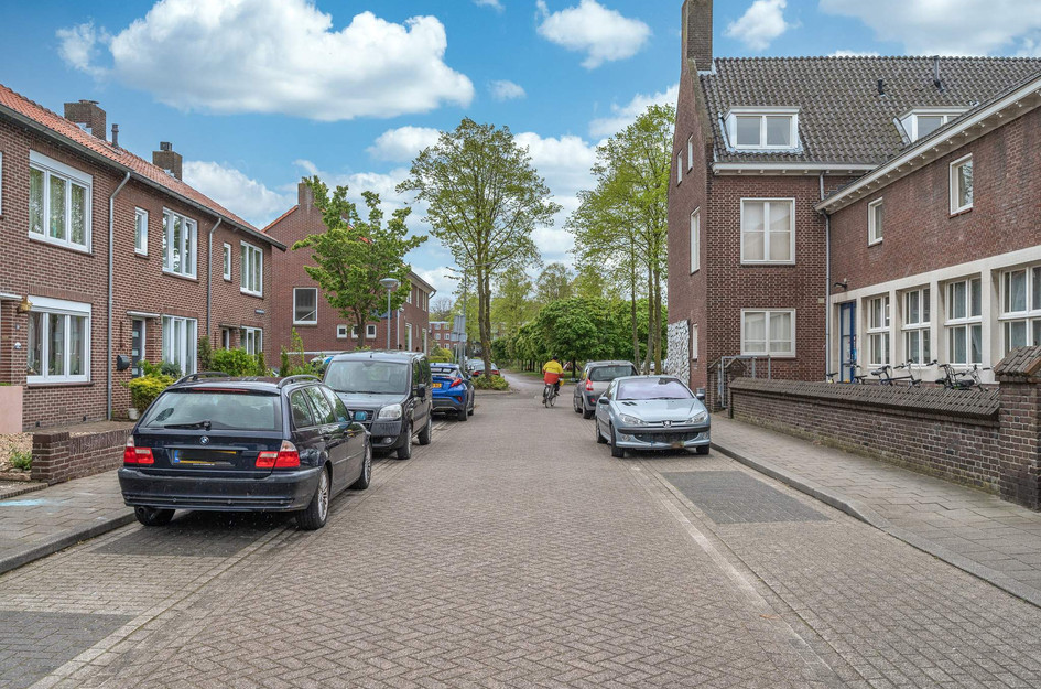 Schwarzenbergstraat 18