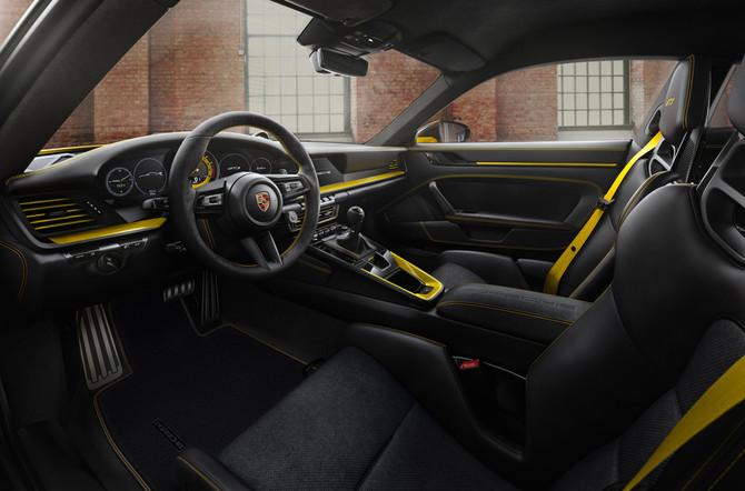 Nieuwe Porsche 911 GT3 is geboren op het circuit