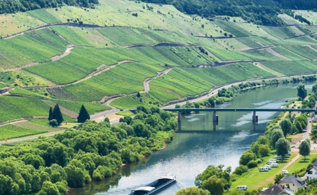 Petit Tour autoreis Luxemburg i.s.m. Dolf Dekking driving events (Volgeboekt)