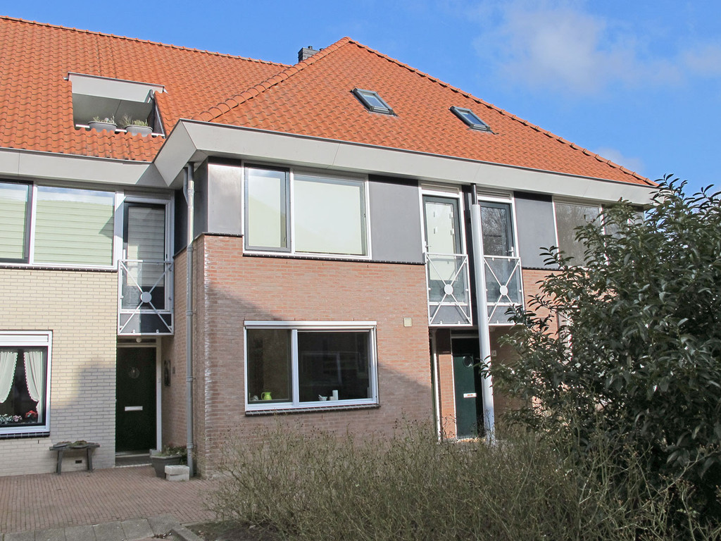 Warmoezenierstraat 32, Brielle