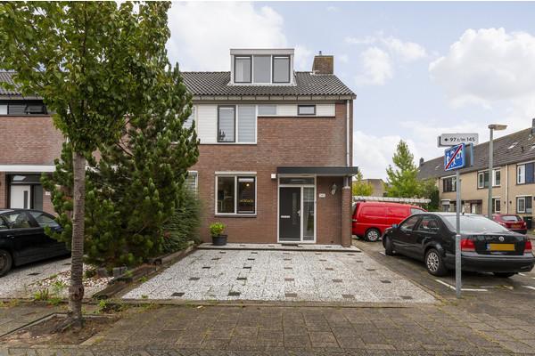 Aletta Jacobs-erf 145, Dordrecht