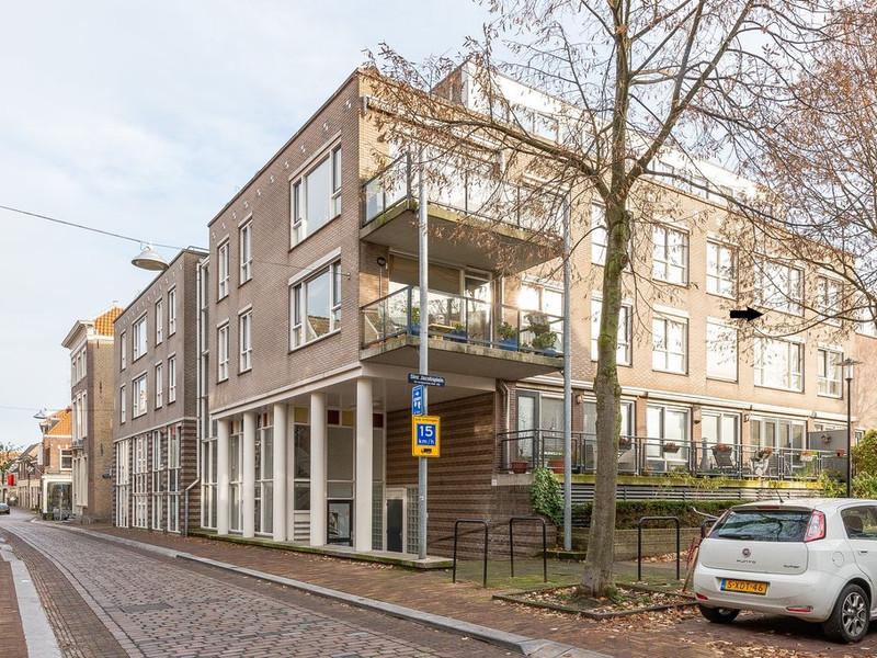 Sint Jacobsplein 8, Dordrecht