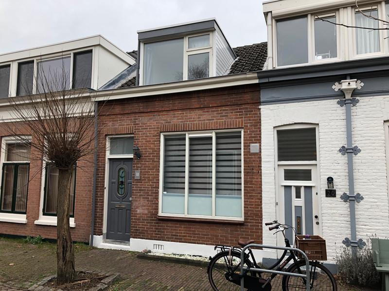 Adriaan van Altenastraat 18, Dordrecht