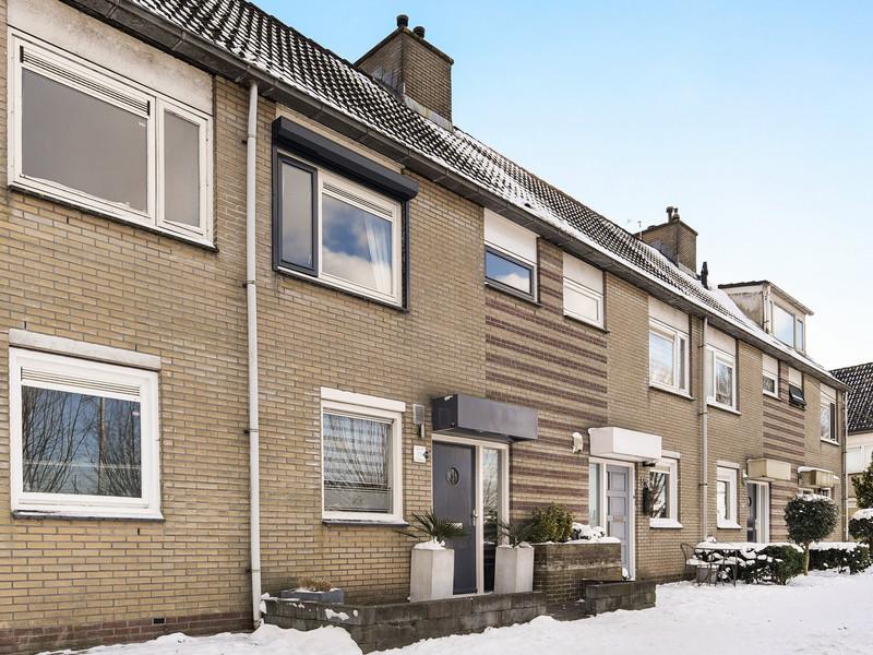 Johanna Naber-erf 579, Dordrecht