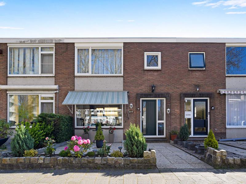 Van Bosseplantsoen 11, Dordrecht